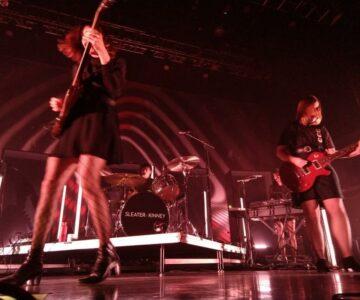 Photobooth: Sleater-Kinney Live @ House of Blues [Boston, MA] 10-29-19